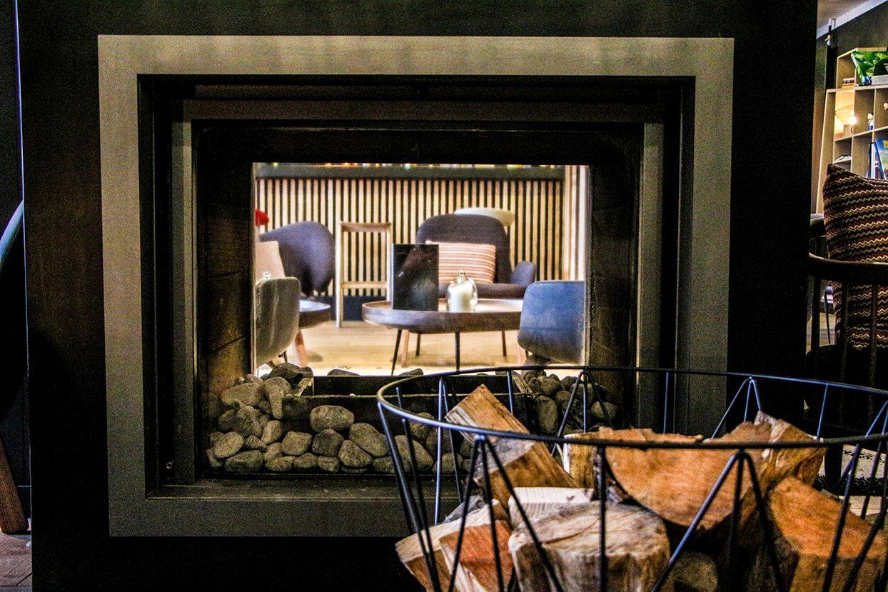 salon bar cocktails h tel le yule front de neige. Black Bedroom Furniture Sets. Home Design Ideas