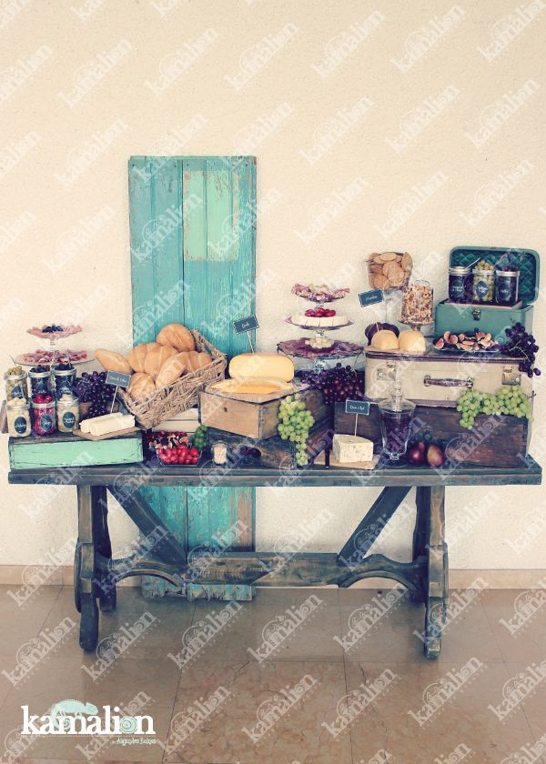 www.kamalion.com.mx - Mesa de Quesos / Botanas / Wedding / Vintage / Rustic Decor / Frascos / Jars / Cheese Table / Bread / ...