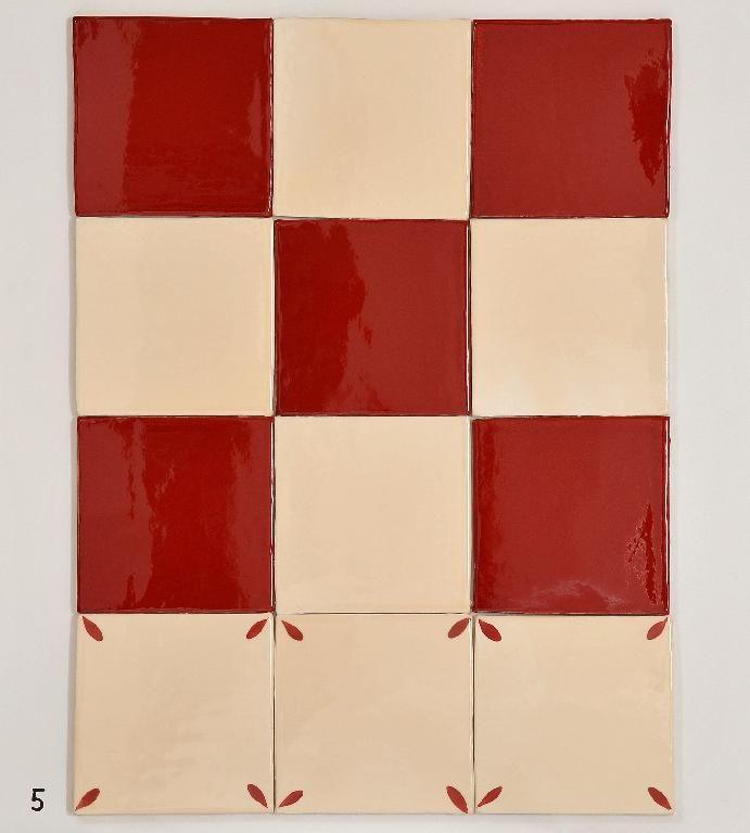 carrelage 15x15 damier rouge 822 et beige 206, décor pétales en