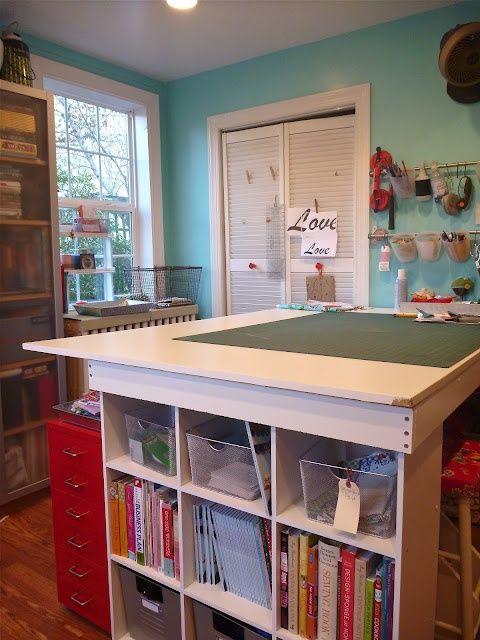 astuces de rangement pour votre atelier couture 2 astuce de rangement des fils et le ruban. Black Bedroom Furniture Sets. Home Design Ideas
