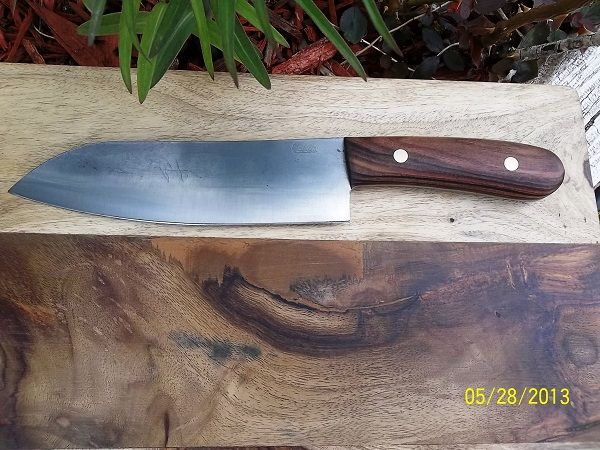 custom made kitchen knives out of carbon steel