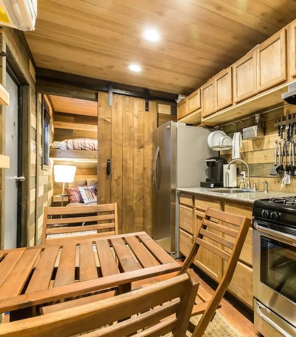 40 Feet Container Homes: 2 Bedrooms 40 Ft Cozy Wood Interior Design Shipping
