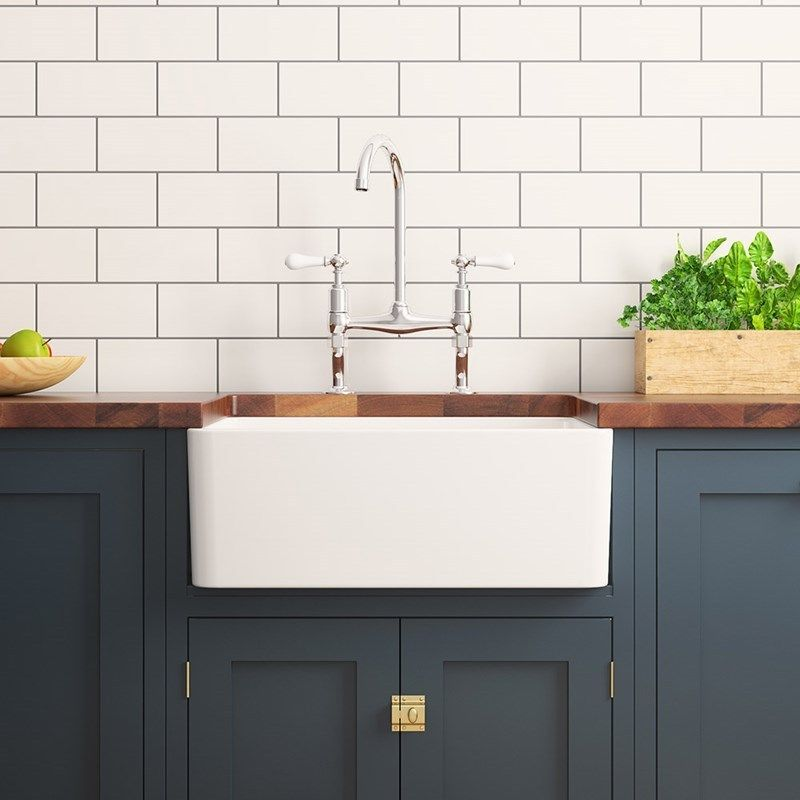 The Gourmet 600 Belfast Is Made From Traditional Fireclay A Type Of Ceramic Created When Clay Is Heat Ceramic Kitchen Sinks Belfast Sink Kitchen Small Kitchen