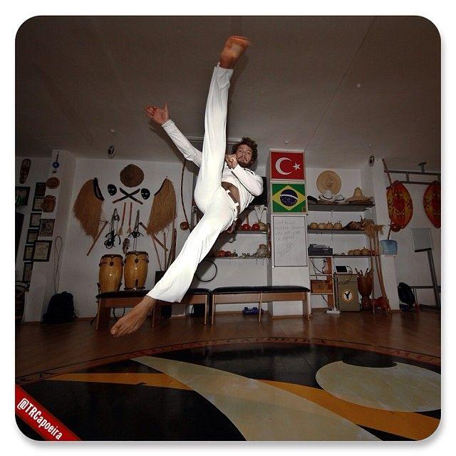 Pin By Lincoln Kraizy On Capoeira Capoeira Martial Arts Martial
