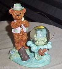 Vintage Hand Crafted Fish Glitter Water Globe BEAR Fisherman Figurine Statue