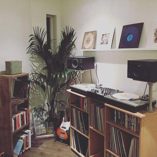 cool setup by aaroncraig vinyloftheday vinyligclub vinylporn vinyl vinyl home studio. Black Bedroom Furniture Sets. Home Design Ideas
