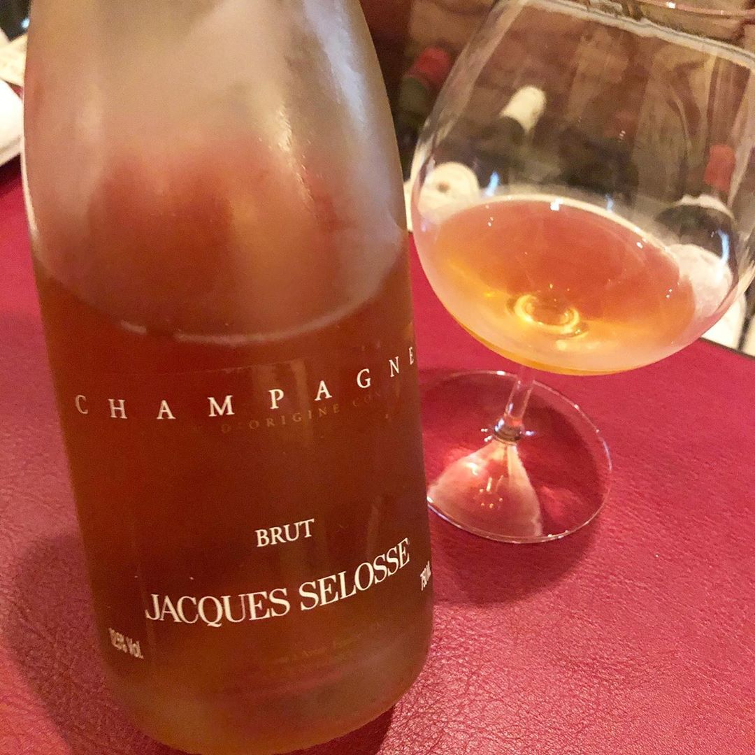 Yuri On Instagram Great Wine Bar For Aged Champagne And Burgundy Lovers Jacques Selosse Rose Disgorged In 2006 Jean In 2020 Wine Wine Bar Wine Bottle