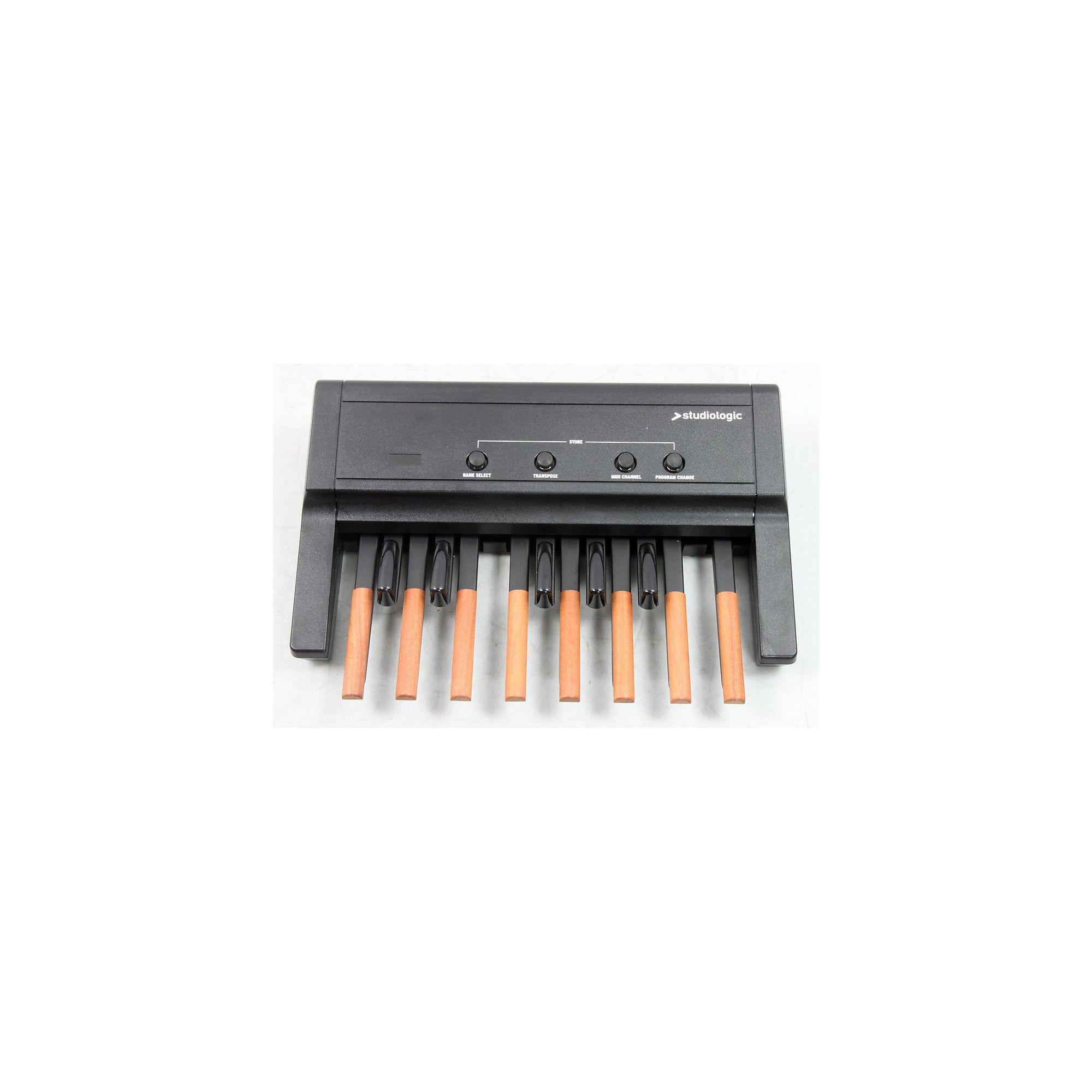 Studiologic MP-113 Dynamic MIDI Foot Controller Pedal Board
