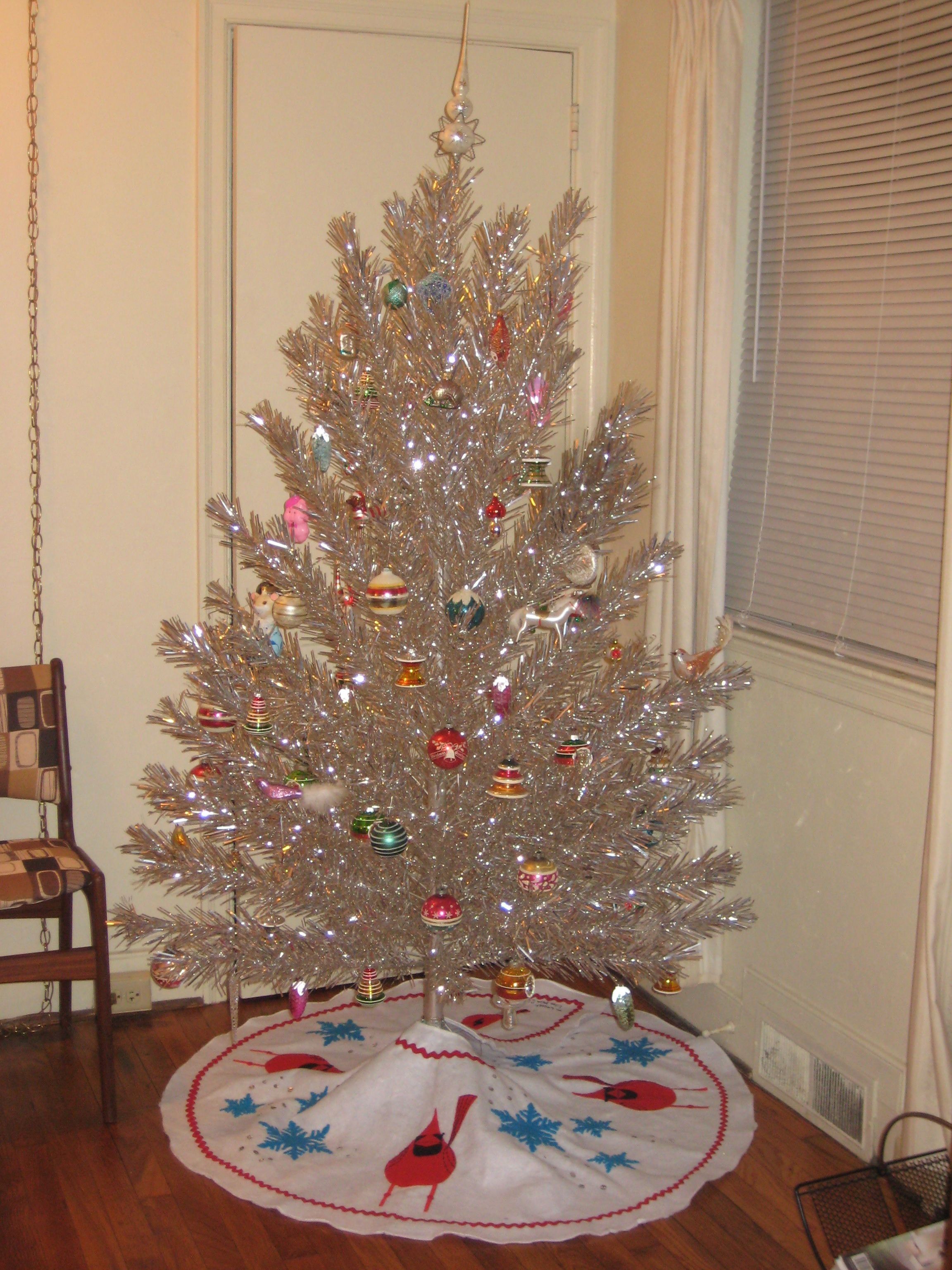 Mid Century Modern Christmas Tree Skirt.Mid Century Tinsel Christmas Tree With Handmade Tree Skirt