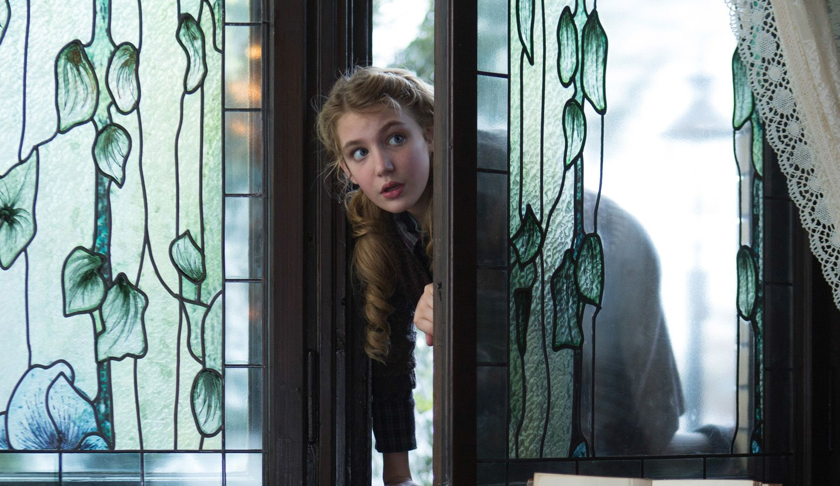 The Book Thief Star Sophie Nelisse On Shooting With Geoffrey Rush