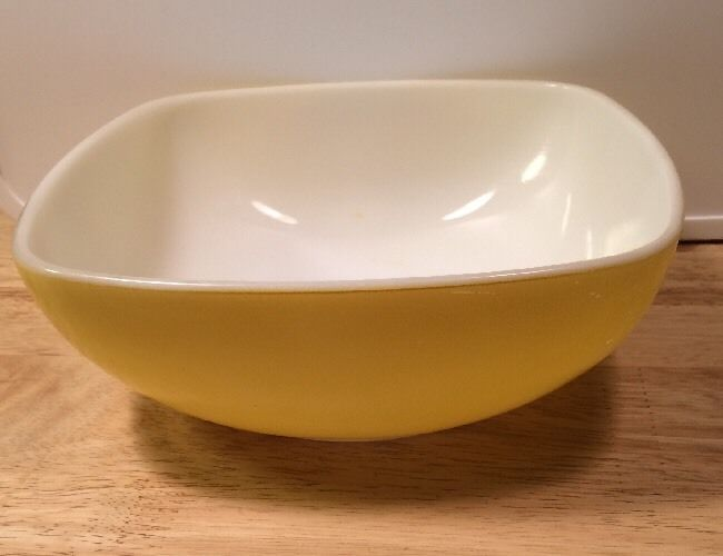 Pyrex Square Yellow Primary Hostess Dish Serving Bowl 1 2 Qt 515 Vintage