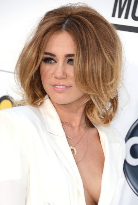 Miley Cyrus Layered Medium Length Hairstyles So Sexy In 2018