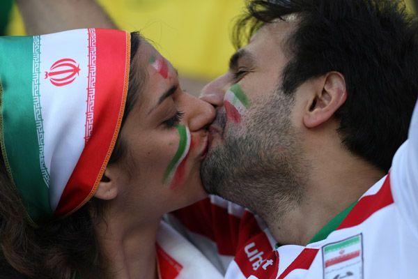 Irani girls hot kiss galleries