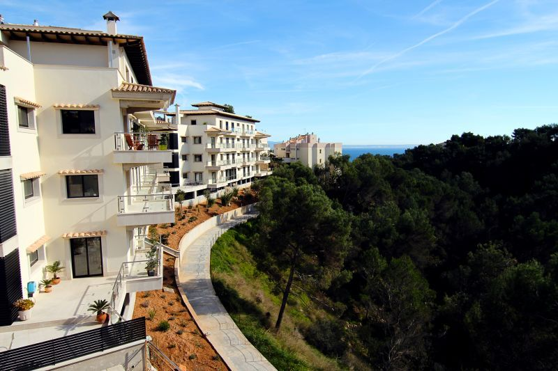 Luxury apartments located in an exclusive complex close to ...