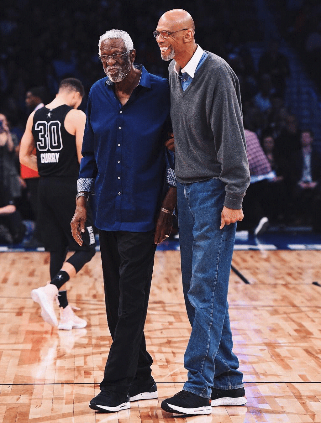 Icons Bill Russell Kareem Abdul Jabbar Basketballgamestoplay Probasketball Nba Legends Bill Russell Sports Basketball