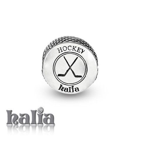 CLASSIC DESIGN Crossed Hockey Sticks With Puck Lapel Pin
