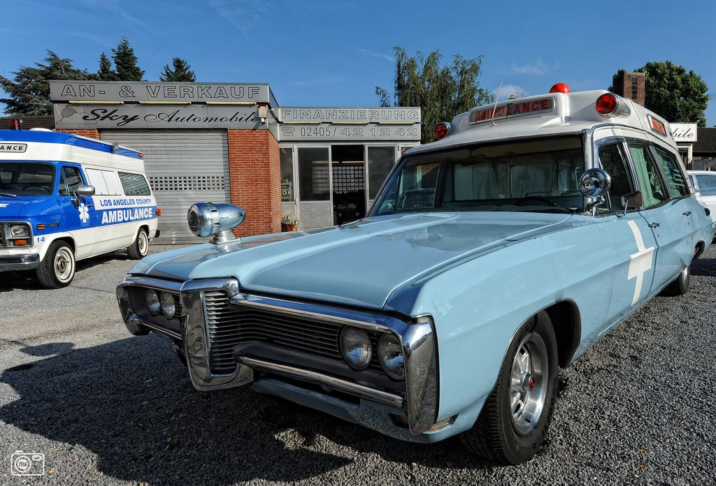 Vintage Ambulance | Ambulance, Rescue vehicles, Ems ambulance