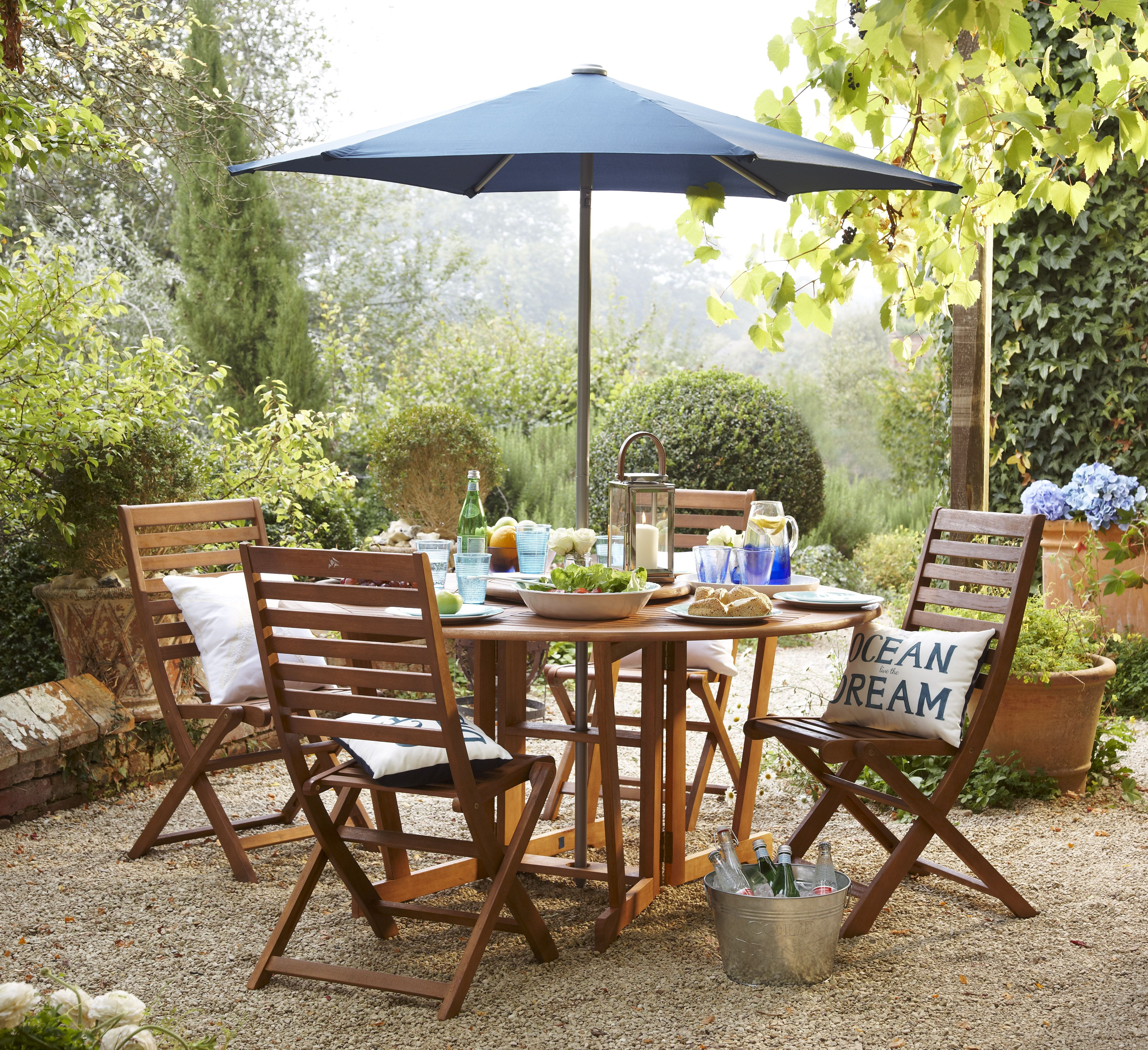 Make your garden furniture the centrepiece in your outdoor space ...