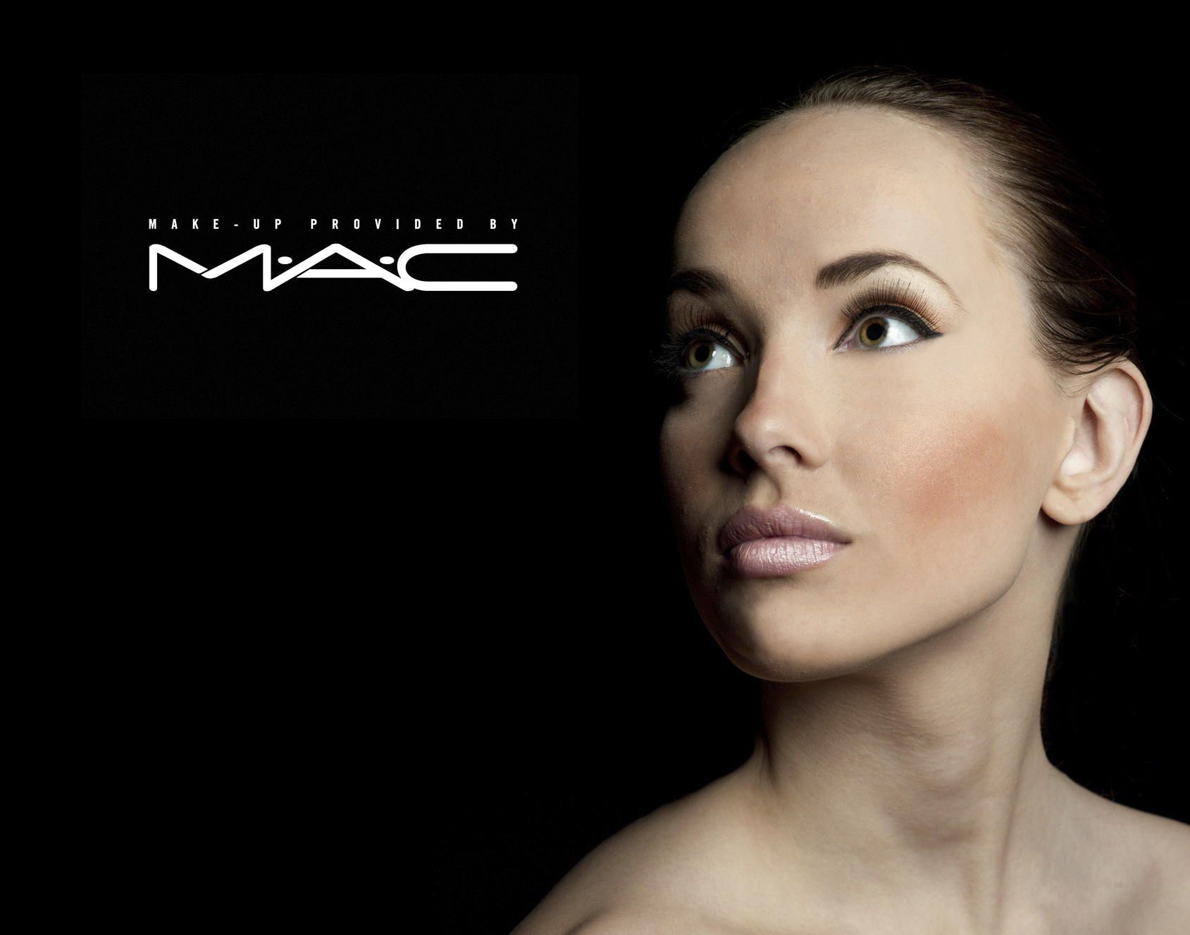Mac Cosmetics Models Google Search Mac Makeup Makeup Advertisement Mac Cosmetics