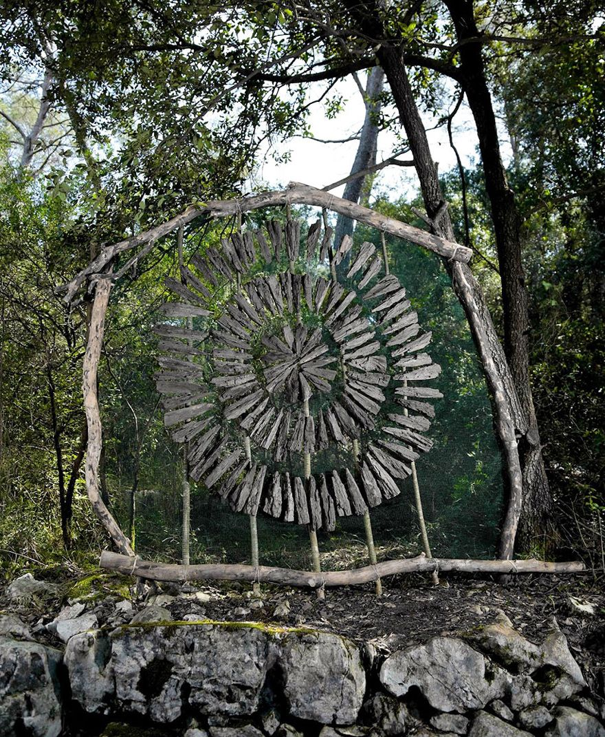 Artist Spends One Year Alone In Forest For Creating Surreal - Artist spends year woods creating beautiful sculptures