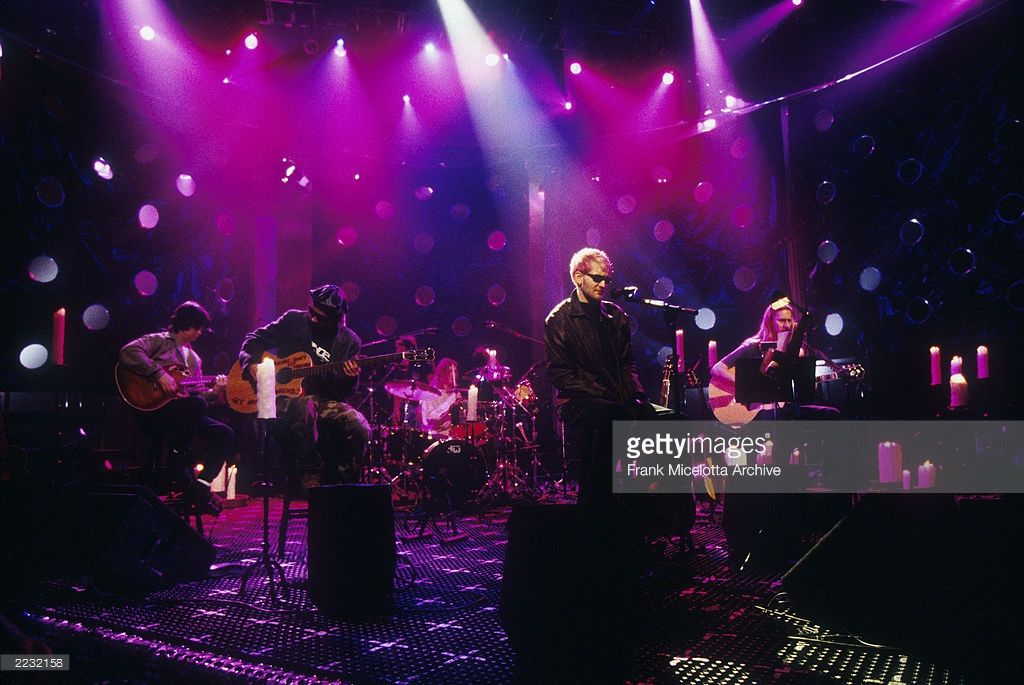 Layne Staley Lead Singer Of Alice In Chains Performing On Mtv