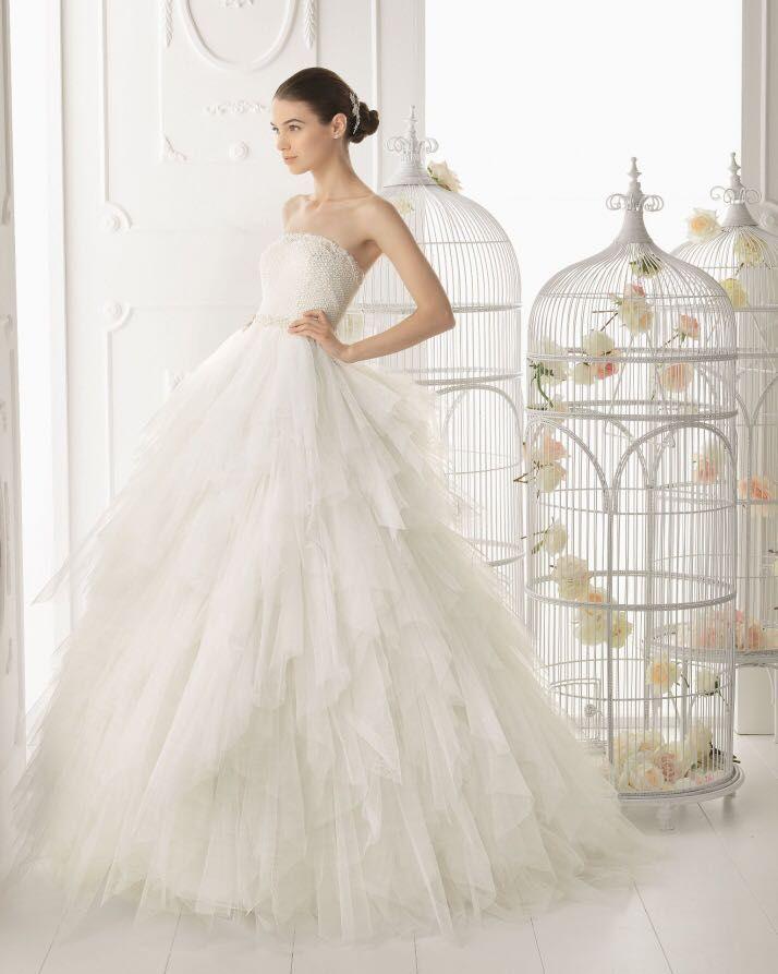 vestido de la firma aire barcelona disponible en tienda, novias