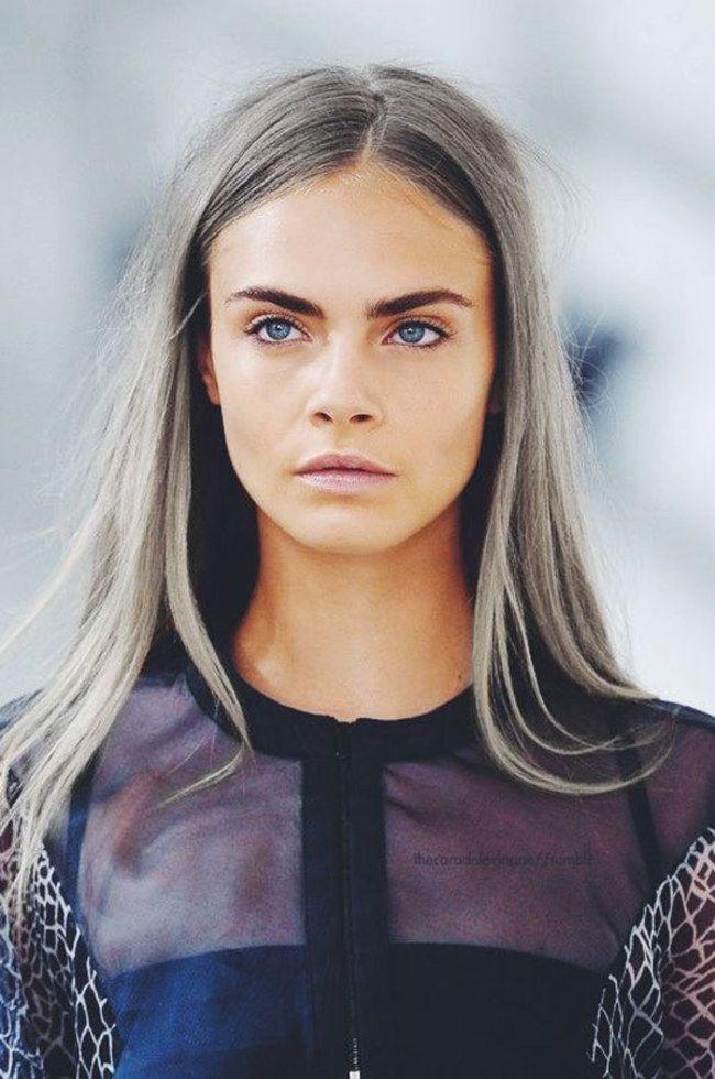 Couleur de cheveux gris pour femme