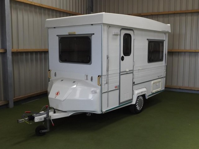 Gobur Carousel Slimline 10/2 folding caravan + awning For ...
