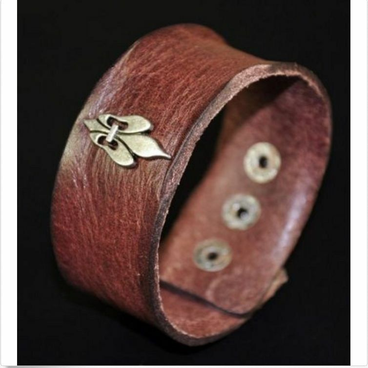 4241a9bdfa652 Mens Cool Metal Celtic Fire Crown Vintage Leather Wristband Bracelet ...