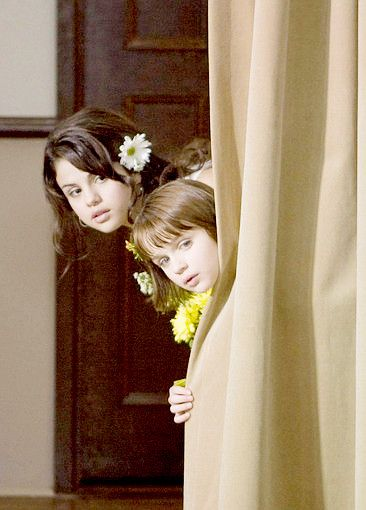 Selena Gomez as Beatrice (Beezus) Quimby, in Ramona and ...