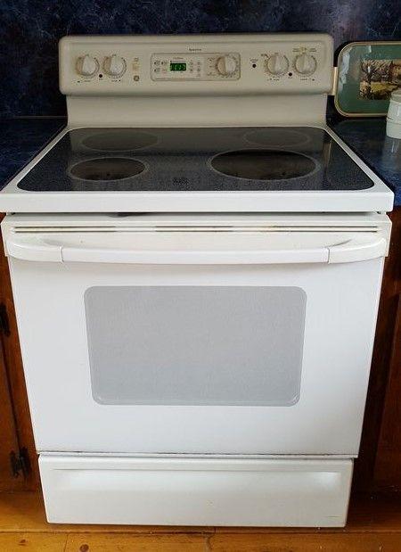 Ge Spectra White Electric Gl Top Range 29 5 Wx25 H With 9 Backsplash And Bottom Pan Storage Drawer S On Back Inc Roasting