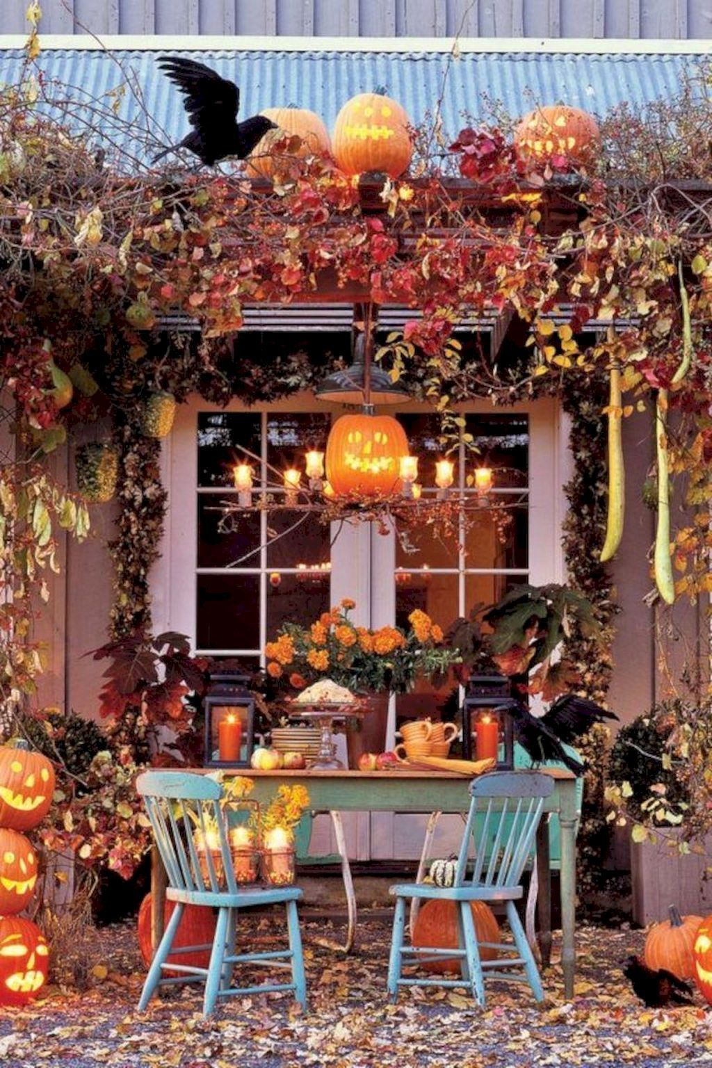 05 Beautiful Outdoor Halloween Decoration Ideas Kooky and fun - Scary Door Decorations For Halloween