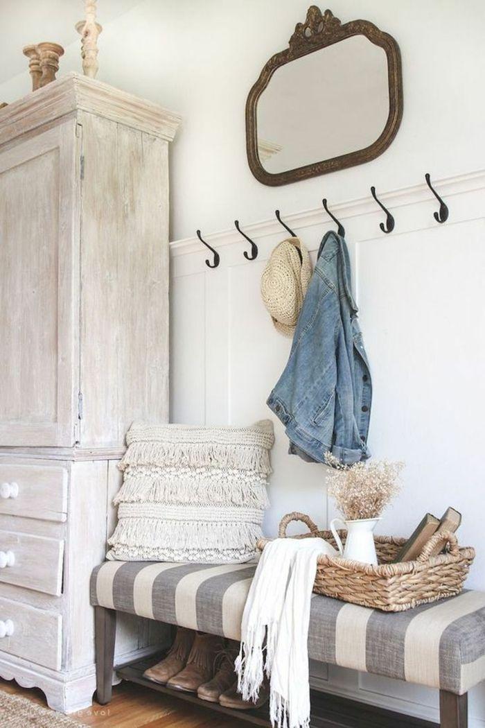 1001 ideas de recibidores originales con encanto for Armario de pared con entrada equipada