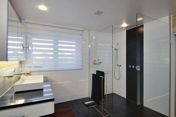 Raffrollos frs Badezimmer sorgen fr eine vollkommene Badeinrichtung  Gardinen  Co