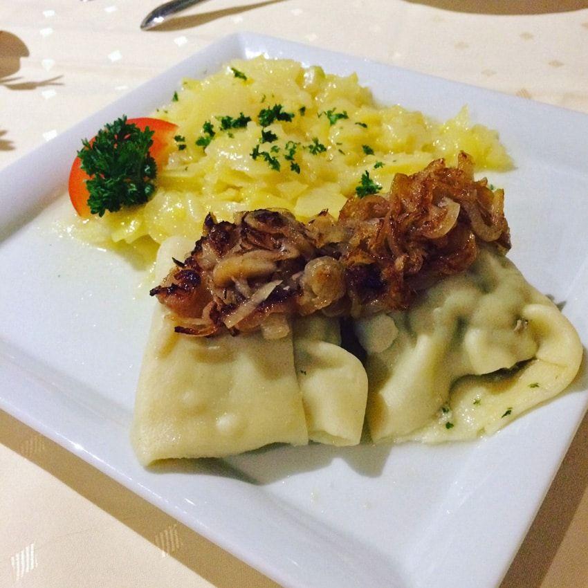 Unser Schwabisches Lieblingrestaurant Bruckstuble Eningen Gutes Essen Essen Lebensmittel Essen