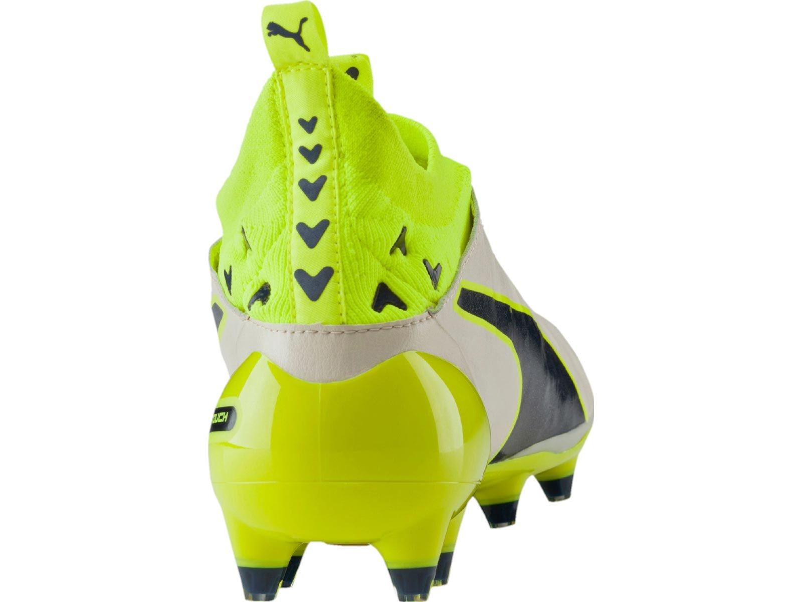 The white Puma evoTOUCH 2016-2017 Football Boots boast an outstanding design.