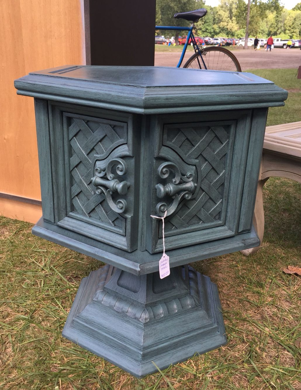 Painted Vintage Green Blue Teal Pedestal Octagon Side Table. Macomb County  Michigan Https:/