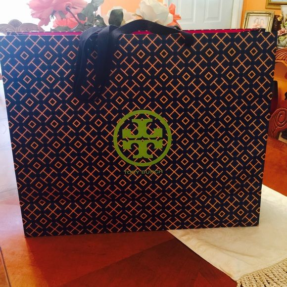 338892f8b7a Tory Burch large bag Large paper Tory Burch bag