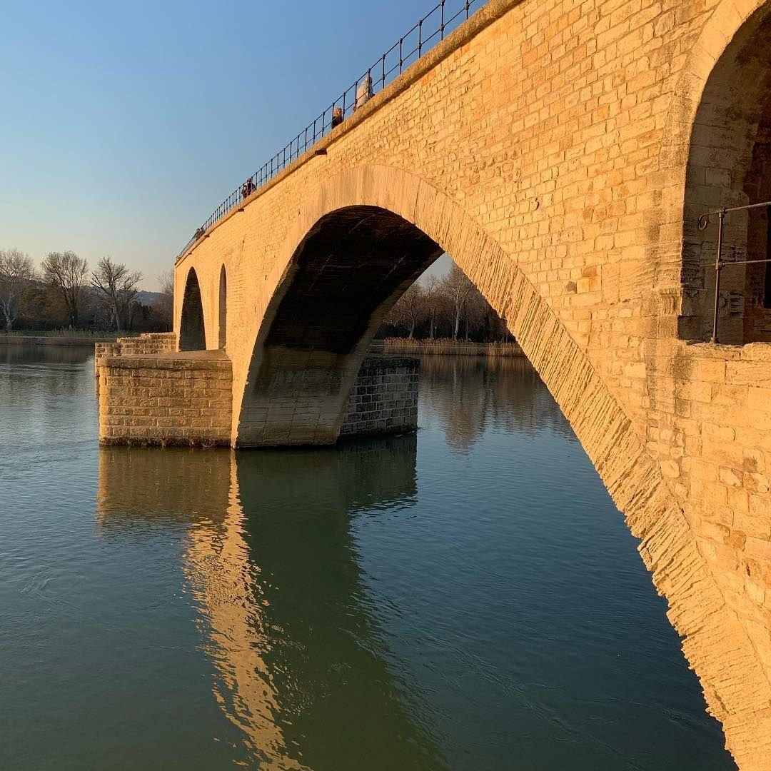 Provence 2 Sobre El Puente De Avignon Todos Bailan Todos