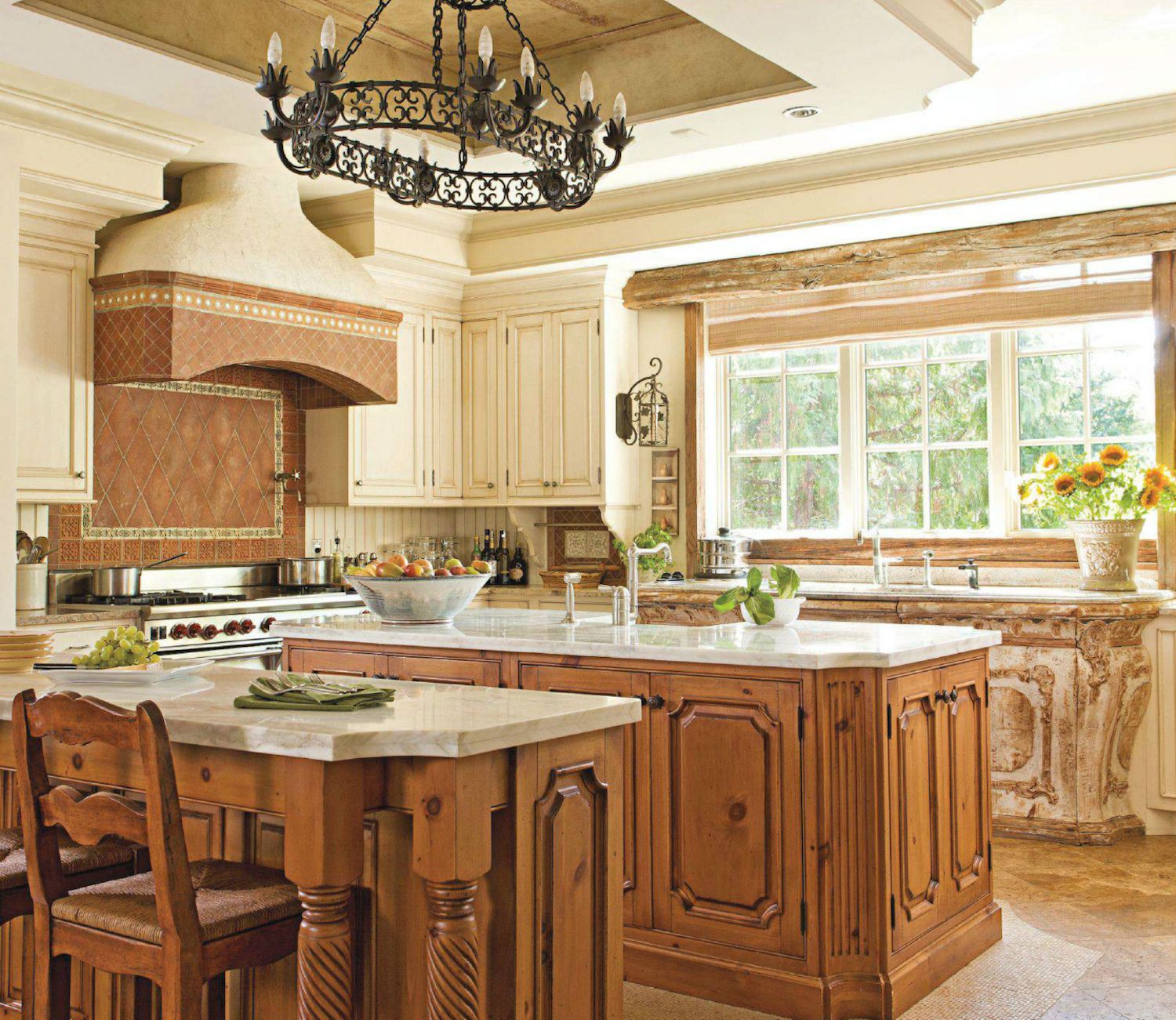 Interesting Facts About Shabby Chic Country Kitchen Design: Beautiful Kitchens With Island