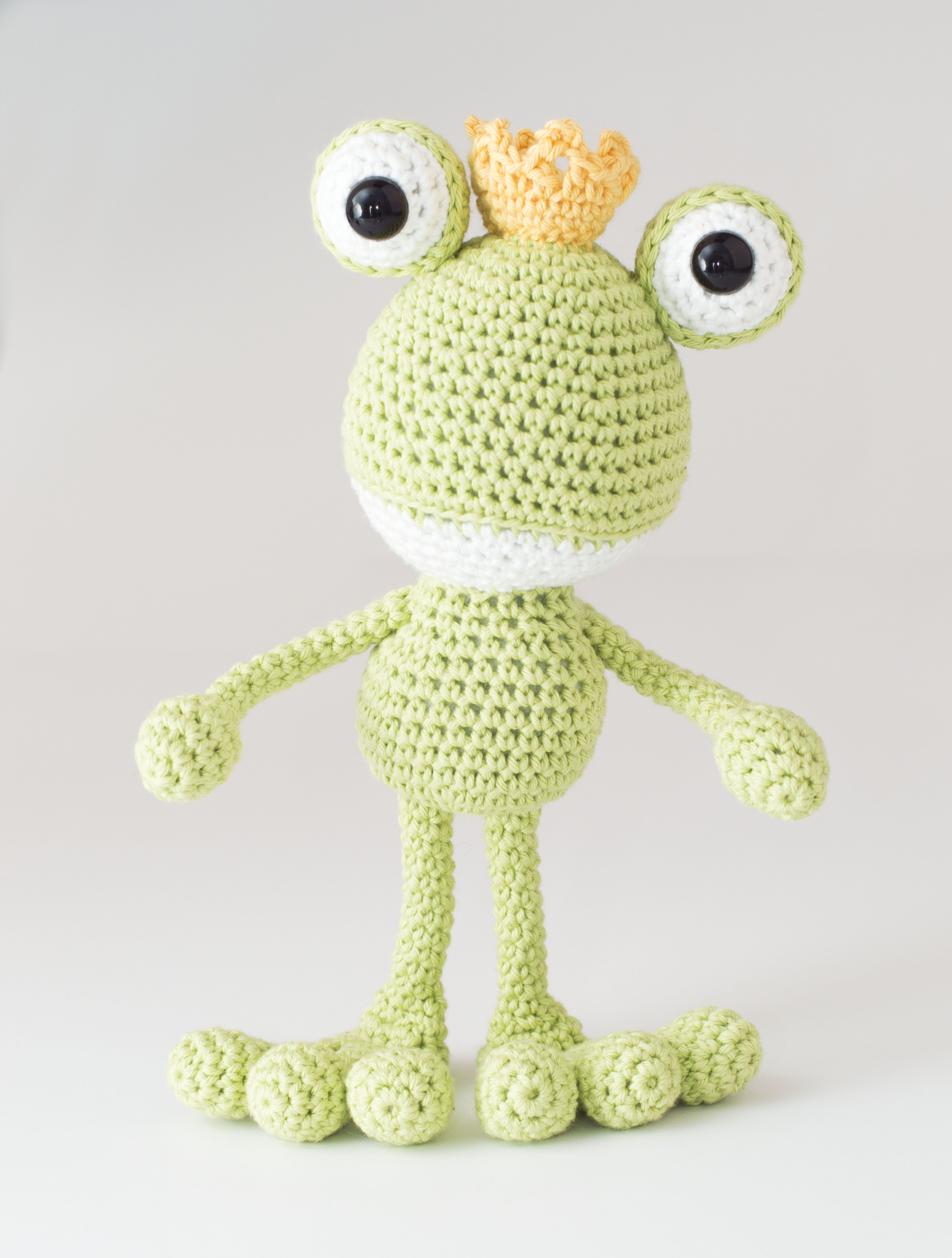 Fred the Frog Prince A special Dendennis amigurumi design for ...