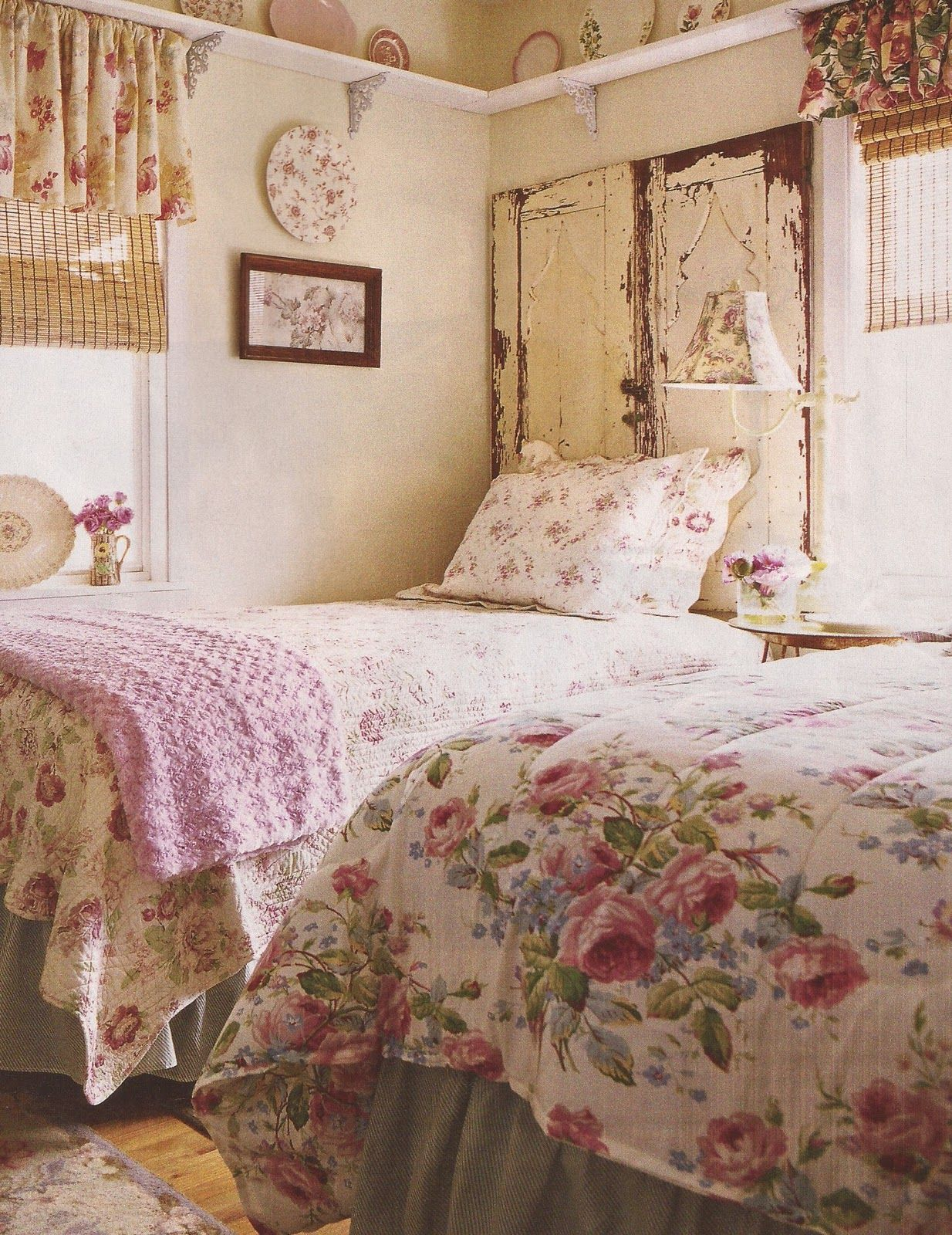 Beautiful Bedrooms/ Love the pink, so delicate and dainty looking. perfect for little girls room
