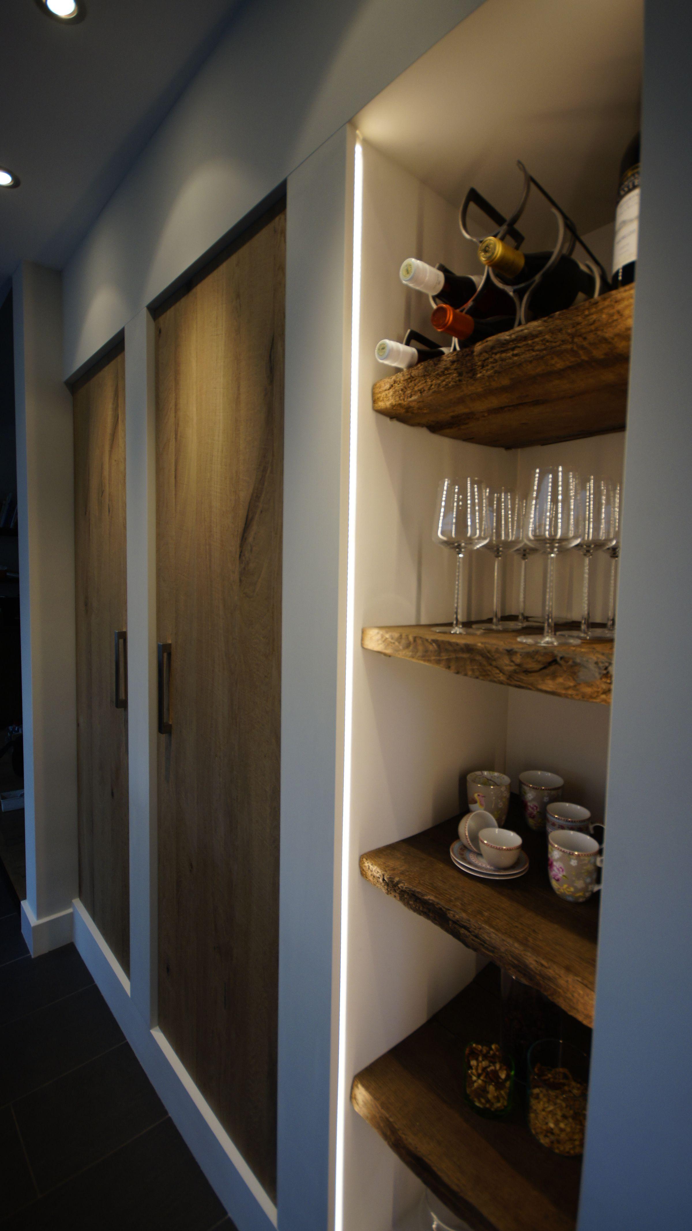 Ingebouwde Open Kast Met Antiek Eiken Planken Keuken