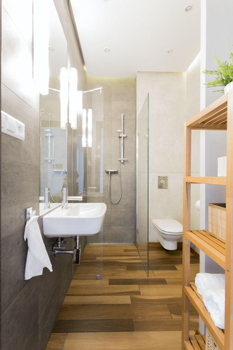 Wie Sie Ihr Kleines Bad Mit Waschmaschine Optimal Einrichten Konnen Bad Einrichten Ih In 2020 Kleines Bad Grundriss Badezimmer Renovieren Bodenbelag Fur Badezimmer