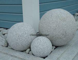Boule Sphères Granit. Décoration de jardin Thonon