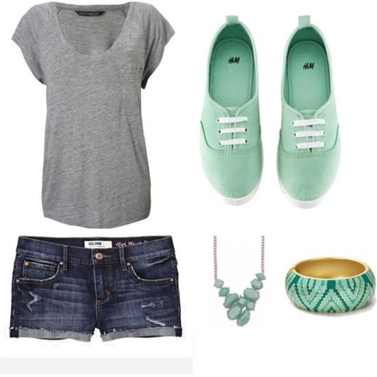 Really cute summer outfit. Love the necklace, but