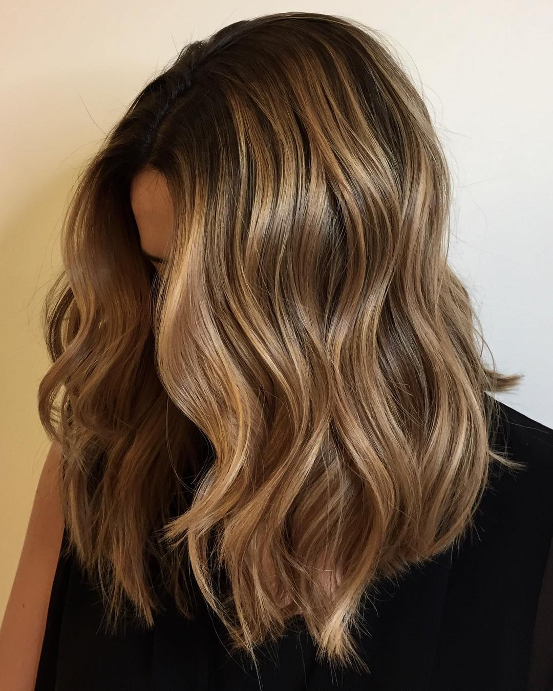 Golden Toffee Hair Is Fall S Most Delicious Hair Color Trend