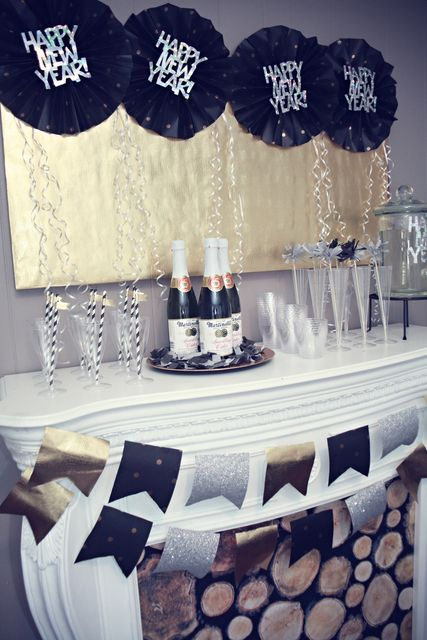 black and navy blue party decorations