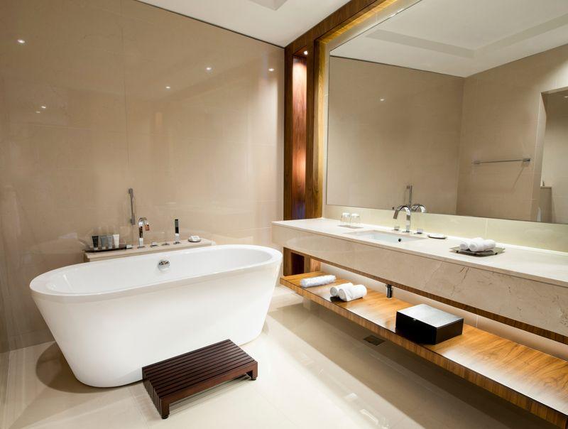 Ways To Save Money On A Bathroom Makeover Bathroom Renovation Cost Modern Bathroom Small Bathtub