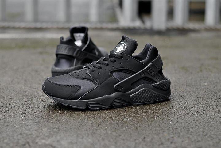 Nike Air Huarache Triple Black. Available now. http   ift.tt 53a14283d07f